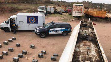 secuestraron tres mil kilos de marihuana en un camion cisterna