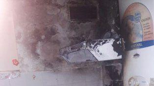 Hirviendo. El aceite provocó el foco ígneo en la cocina. Foto: Bomberos Zapadores.