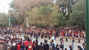 Plaza Ramírez. Durante casi cinco horas, desfilaron unas 150 instituciones escolares.