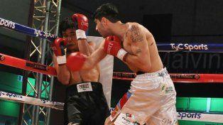 Daniel Aquino demolió rápido a su oponente en Los Polvorines.