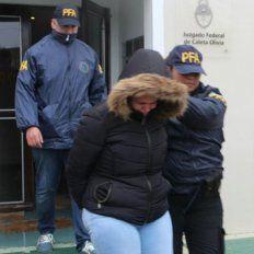 Rescatan a 16 esclavas sexuales encerradas en una whiskería de Caleta Olivia