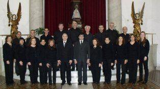 Anfitriona. La Schola Cantorum, dirigida por Jorge Beades, organiza este encuentro.