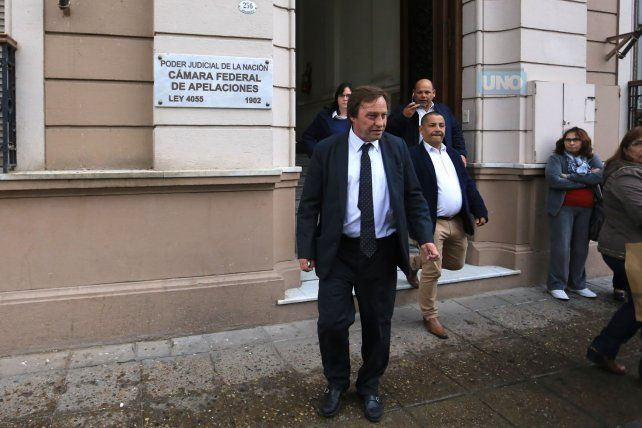 Sergio Varisco en la puerta del Juzgado Federal. Foto UNO Diego Arias.