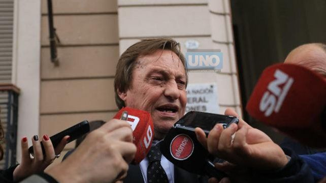 Dio la cara. Varisco al salir de los tribunales habló con los medios de prensa. FotoUNODiego Arias