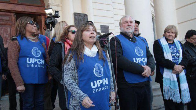 Prueba. Domínguez en un acto de UPCN en Casa Gris