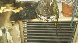 Un pucho. Una abuelita dejó un cigarrillo sobre el calefactor y ropa húmeda.
