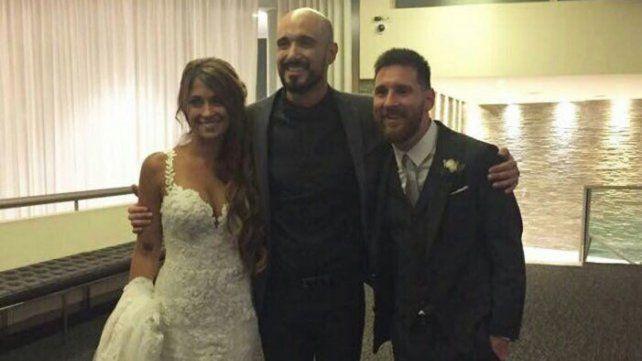 Abel Pintos, el regalo sorpresa de Messi a Antonela en su casamiento