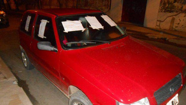 Ausencia. Tres horas estuvo el vehículo en la puerta de un garage que la conductora nunca vio.