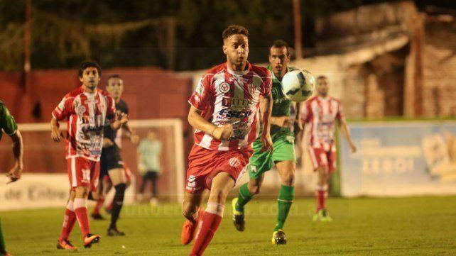 Cadenazzi recibió una fecha de suspensión y estará a disposición para el juego con Almagro.