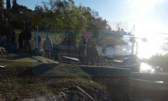 El último espacio público de frente al río Paraná en Puerto Viejo.