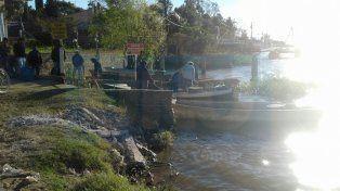 En la tarde del lunes realizaron una asamblea de pescadores y vecinos.