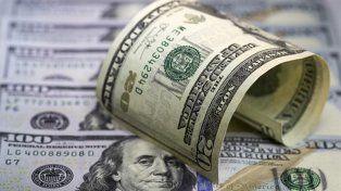 El dólar cerró con un nuevo récord y llegó a 17