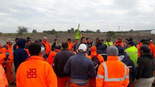 Hubo acuerdo en el conflicto con la empresa Cartellone y obreros levantaron el acampe