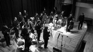 De lujo. La orquesta dirigida por Eugenio Emyashev se lució en su propia casa.