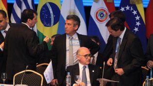 El exgobernador Urribarri en plena Cumbre. Foto UNO Juan Ignacio Pereira.