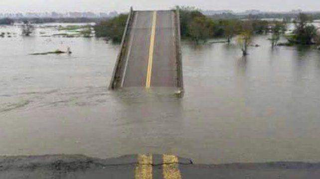 Por la caída de un puente en Corrientes el tránsito desviará por Entre Ríos