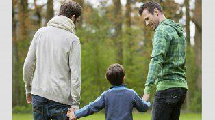 Autorizan a una pareja homosexual a tener un hijo mediante maternidad subrogada