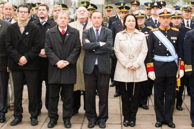Varisco encabezó los actos por el Día de la Independencia en Paraná