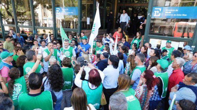 Cara a cara. El sindicato elevará sus planteos a Sonia Velázquez.
