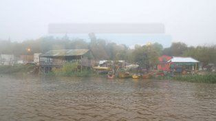 Mucha agua. La creciente afectó a unas 30 familias.