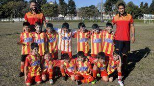 Los Pingüinos de la divisional 2009 en el torneo Gurisitos. FotoUNOMateo Oviedo