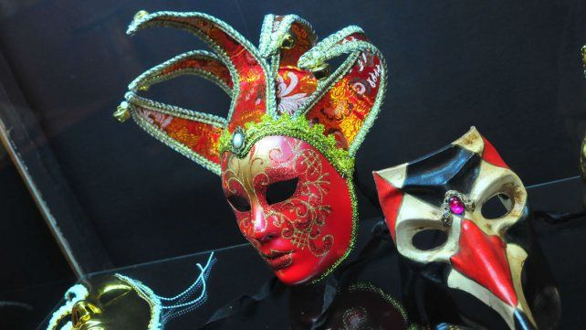 Variopinta. Desde el carnaval veneciano al boliviano