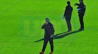 El exentrenador de Unión puso primera en Patronato. La práctica en el estadio Grella duró dos horas.