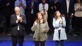 Cristina lanzó su candidatura a senadora en Mar del Plata y llamó a votar en defensa propia