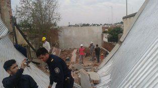Tres obreros quedaron atrapados tras un derrumbe en una obra en construcción
