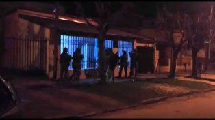 Video: Así fue el ingreso de la Policía Federal en uno de los allanamientos de este viernes en Concordia