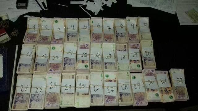 Secuestraron 320 mil pesos transportados en bolsas en el puesto caminero de Viale