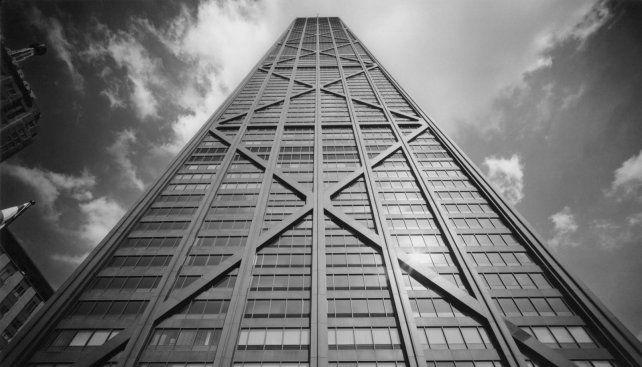 Un mirador que se inclina a 300 metros de altura
