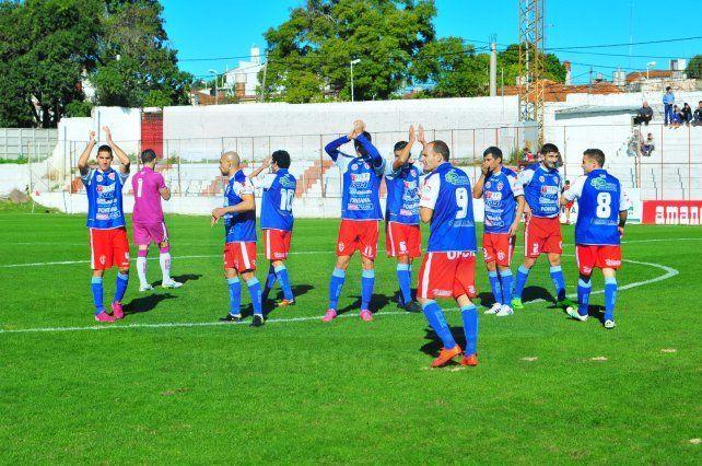 Atlético Paraná fue goleado en el Pedro Mutio por la B Nacional
