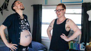 Dio a luz trans embarazado de su marido gay