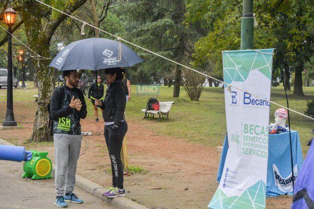 En Paraná la lluvia complicó las actividades que se realizaron al aire libre. Foto UNO Mateo Oviedo.