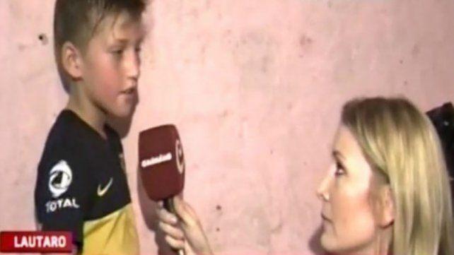 El impactante video en el que un nene pide comida y la notera rompe en llanto