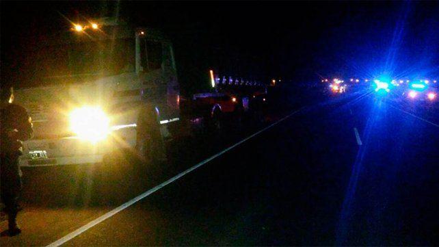 Un hombre murió tras ser atropellado por un camión