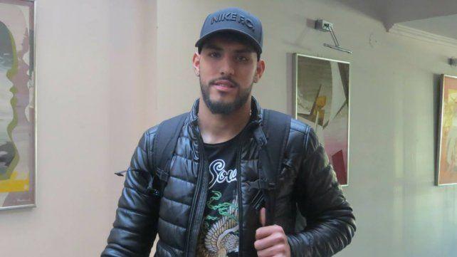 Llegó Rocky. El delantero uruguayo Adrián Balboa ya está en Paraná y en las próximas horas firmará su contrato con el Santo.