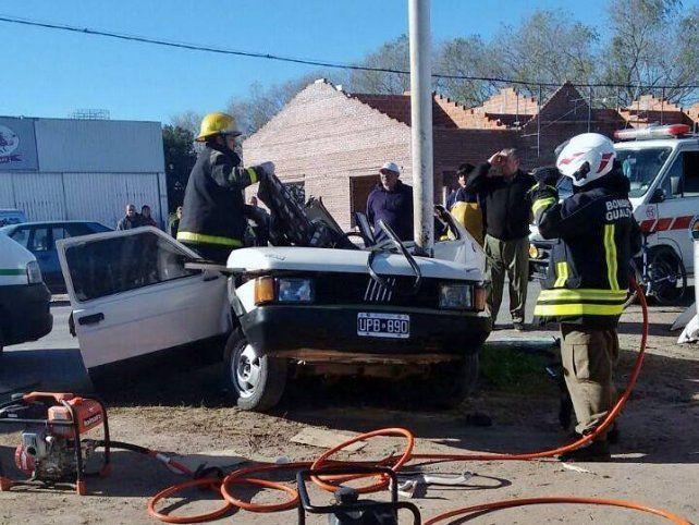 Los Bomberos tuvieron un arduo trabajo para rescatar al muchacho.