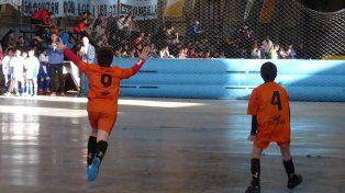 Con la participación de Naranjitos, se desarrolla en Santa Fe el torneo UNL de futsal
