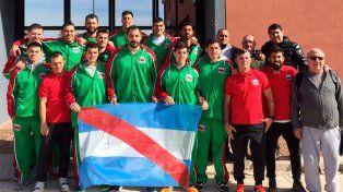Posa el combinado provincial antes de la partida. La salida fue desde Concepción del Uruguay.