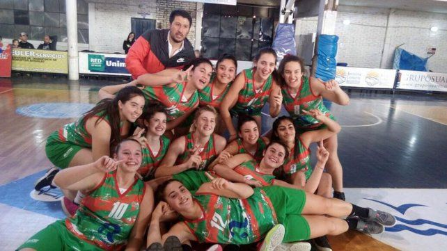 Campeonas. El Seleccionado femenino de Paraná se consagró campeón entrerriano U17 al derrotar 52-51 a Concepcián del Uruguay en la tercera fecha del certamen provincial.