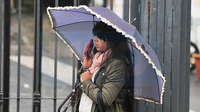 Jornada con lluvias, vientos moderados y una máxima de 17 grados