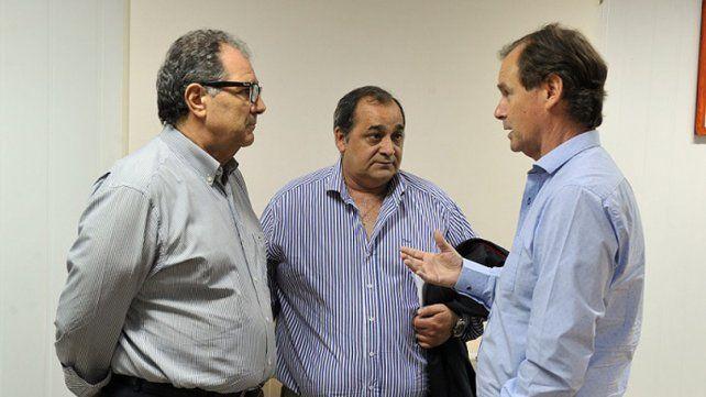 Preocupación. De Grazia junto al intendente de Santa Elena