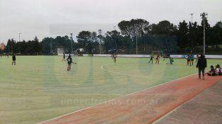 Se desarrollan en El Plumazo los Juegos Evita de hockey sobre césped