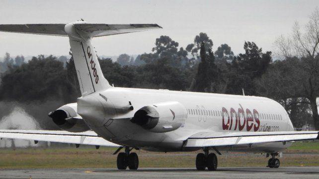 Vuelos privados. Estudiantes salen en avión hacia Bariloche.