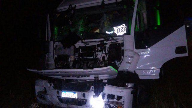 Camioneros resultaron heridos tras un violento choque en la ruta nacional 14