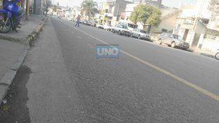 Comerciantes de Almafuerte piden que por la tarde se permita estacionar