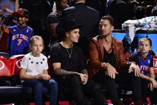 Justin Bieber y el Pastor Carl Lentz en 2014. Foto inquisitr.com