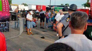 Increíble accidente en un juego mecánico dejó un muerto y siete heridos